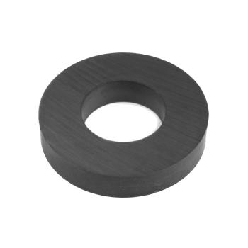 Ferritmagnet Ring svart som klarar 9,5 kg.