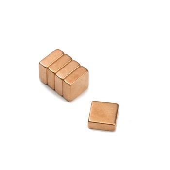 Kobber magnet 10x10x4 mm. av neodymium m kobber yta