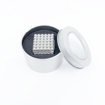Små magnetiska silver bollar, 216-pack från Magnordic